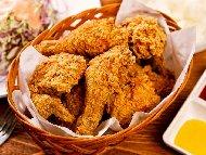 Рецепта Пържени пилешки бутчета с корнфлейкс